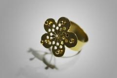 anillo flor oro