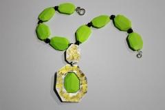 Collar verde