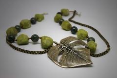 Hoja de serpentina y jades