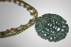 detalle jade con cadena